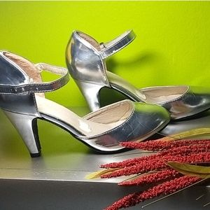 Silver pumps 2 inches heel size 6.5